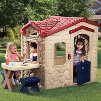 kids plastic playhouse